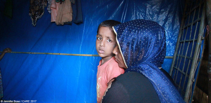 A mother and her son in a refugee camp in Bangladesh