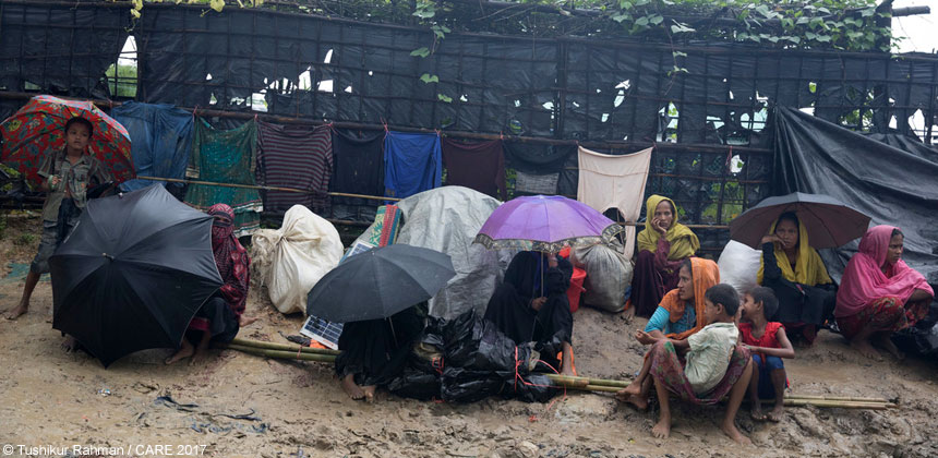 Refugees waiting by the roadside in Bangladesh