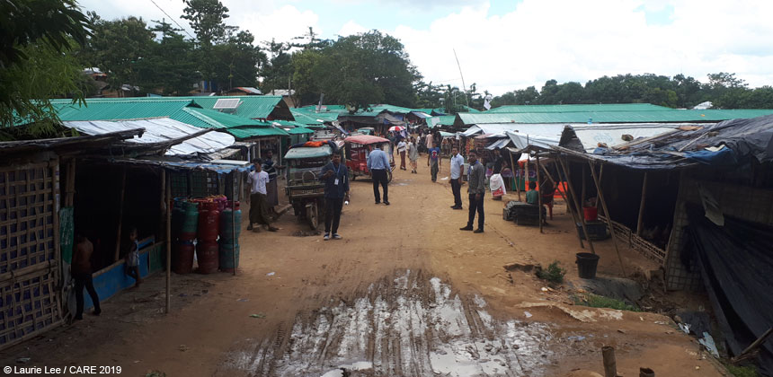 View of marketplace at Rohingya refugee camp