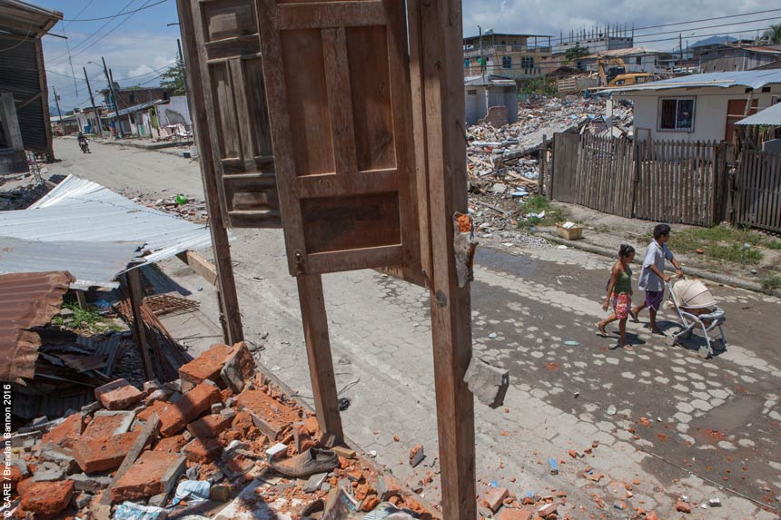 A street in Pedernales after the earthquake