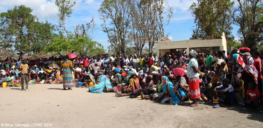 People in Mozambique waiting for food distribution