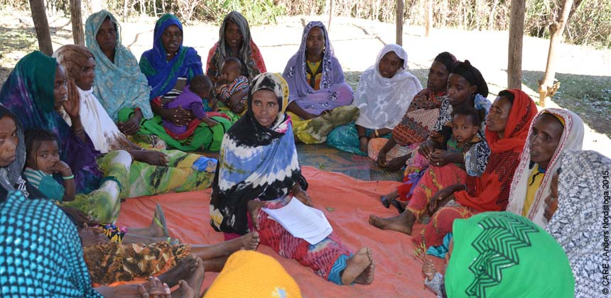 Kimiya Mohammed Ali leading a meeting of the mothers' group
