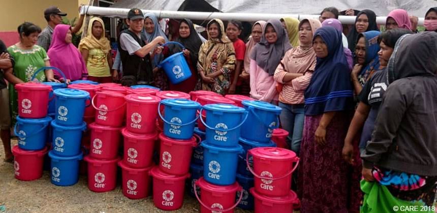 Distribution of hygiene kits inside plastic buckets