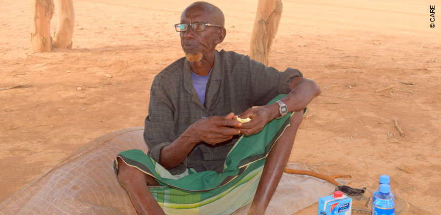 Guuleed Warsame, 90 years old, in the now-deserted town of Warabaley