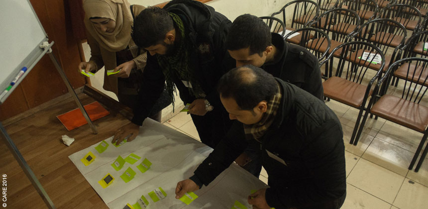Refugee volunteers in Turkey at a CARE training session