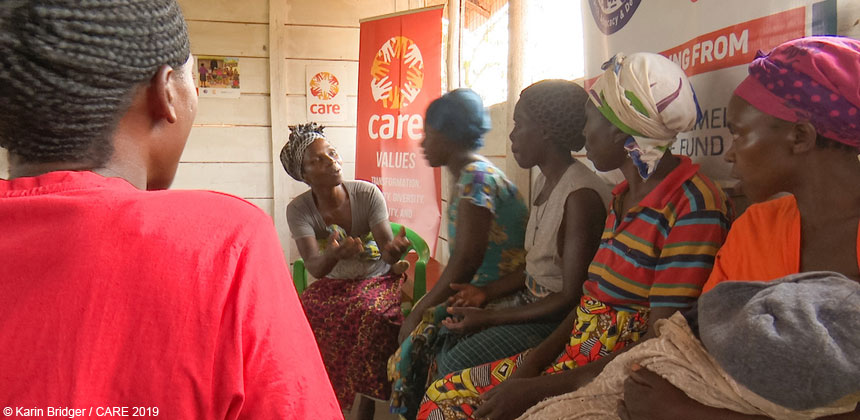 Cecile, a refugee from the DRC, talking to other women refugees