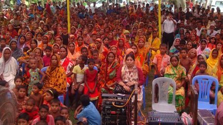 Crowd attends local governance meeting in Bangladesh