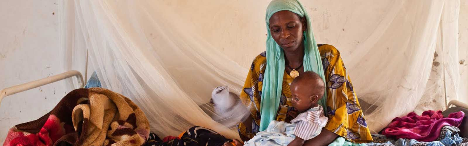 A woman and child in Chad during the Sahel drought of 2012