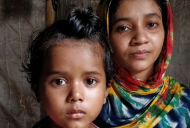 A mother and daughter in a refugee camp in Bangladesh