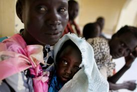A woman and child at Pariang hospital, South Sudan