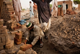 Rebuilding homes in Pakistan in 2011
