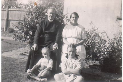 Isabelle Robinson and her parents and brother